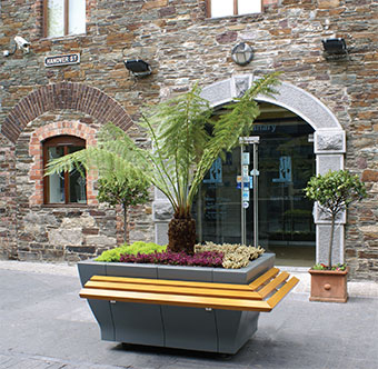 HC202 Rectangular Planter (1600 x 1100 mm with optional Perch Seating)