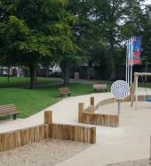 Mardyke Playground - Park bench